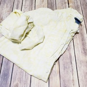 🎄3/$15Classic elements yellow white button down